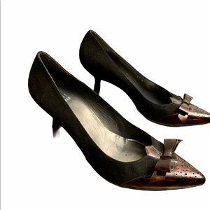 Stuart Weitzman Black Suede Kitten Heels w/Brn Bow Sz 6.5